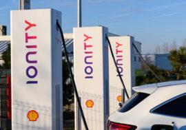 Shell bude nabízet rychlé dobíjení elektromobilů