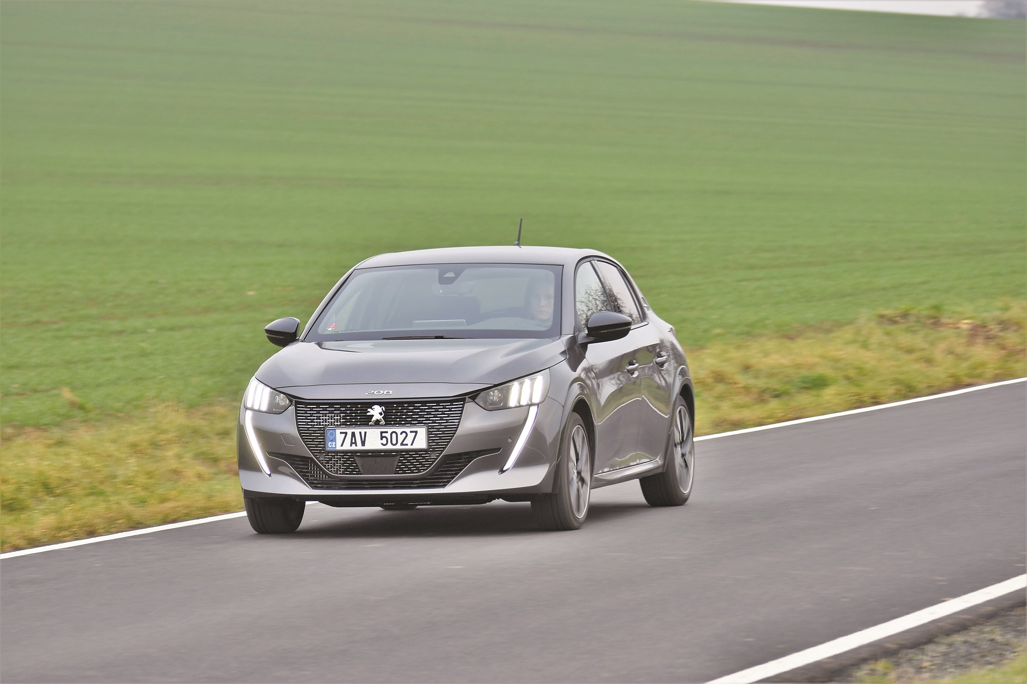 Nová 208 zaujme robustním designem a skvělými jízdními vlastnostmi