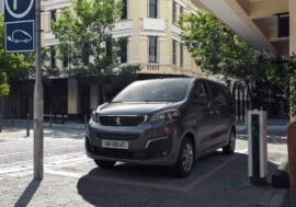Peugeot e-Traveller nabídne mimořádnou variabilitu rodinám i firmám