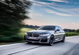 BMW 545e xDrive nabídne dynamické a přitom úsporné svezení