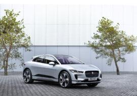 Jaguar Testuje bezdrátové dobíjení v běžném provozu