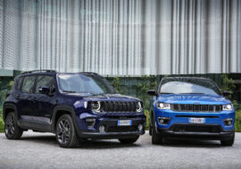 Jeep Renegade 4xe a Compass 4xe dostaly plug-in hybridní pohon