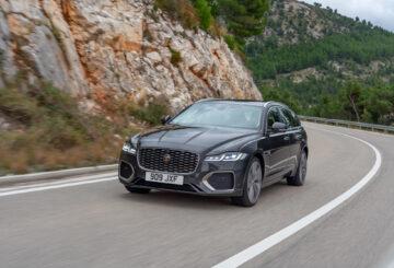 Nový Jaguar XF prezentuje luxusní materiály a vytříbené technologie