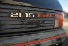 Peugeot se pustil do renovací a prodeje historických modelů