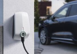 Rozvoj nabíjecích stanic brzdí nezájem firem o elektromobilitu