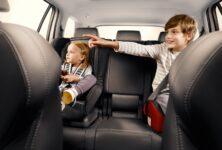 Správný zasedací pořádek v autě rozhoduje při nehodě o přežití posádky